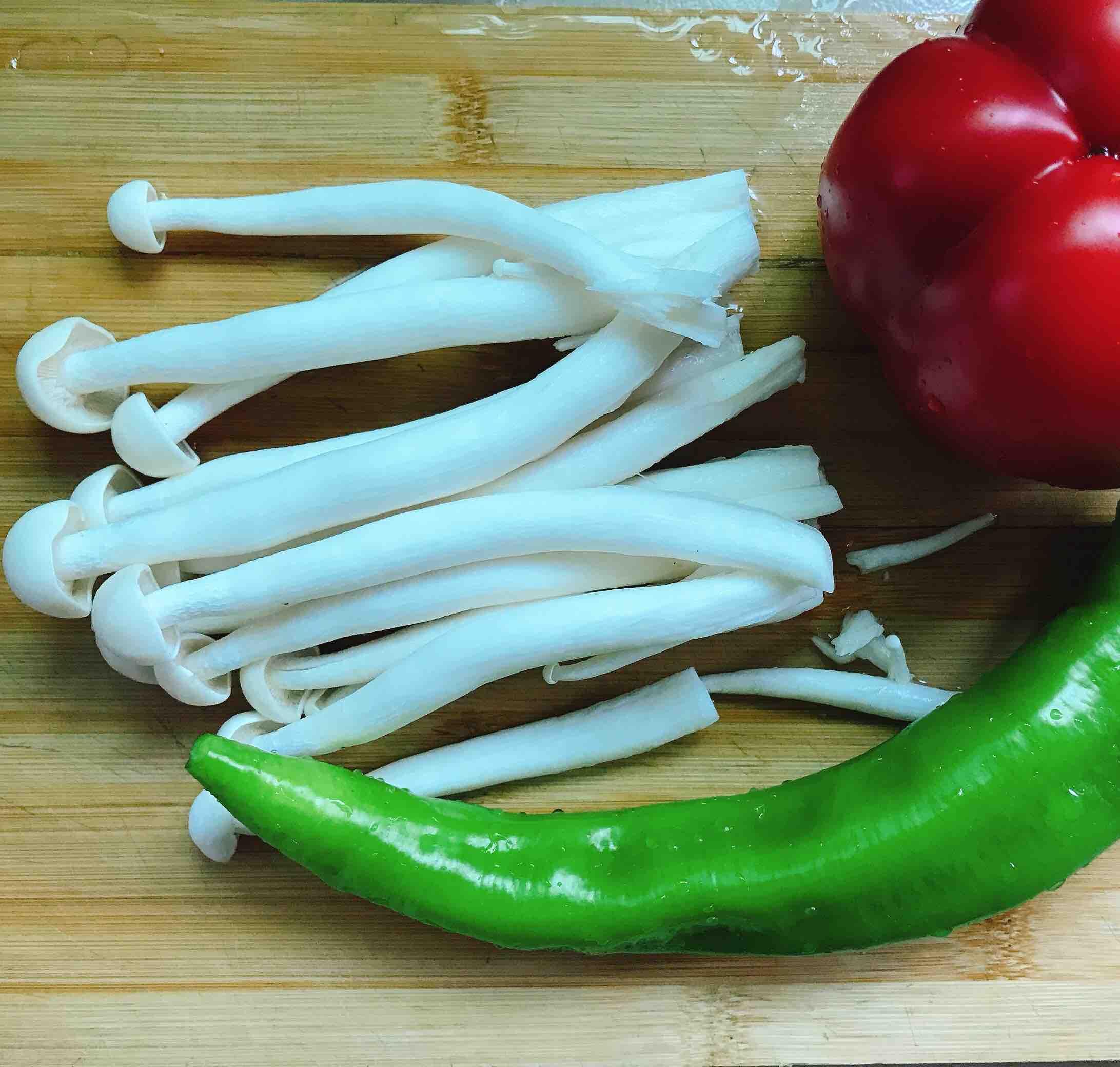 青椒炒肉片的家常做法