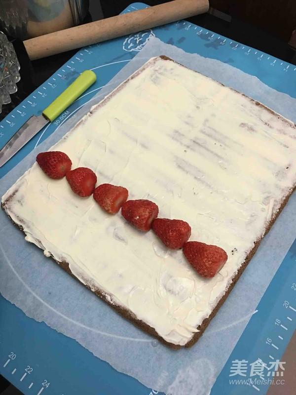 草莓奶油可可卷怎样炒