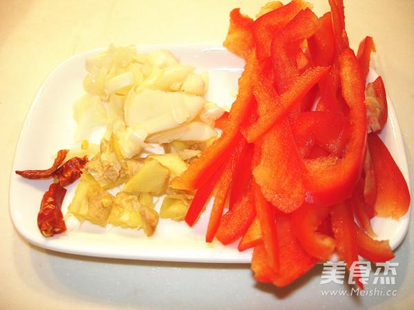 韭菜苔炒鱿鱼及清理的家常做法