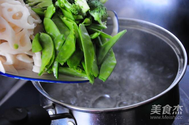 虾仁素小炒的家常做法