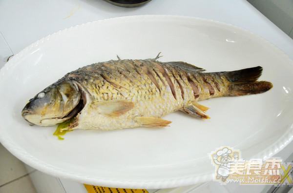 水煮油泼鲤鱼怎么炖