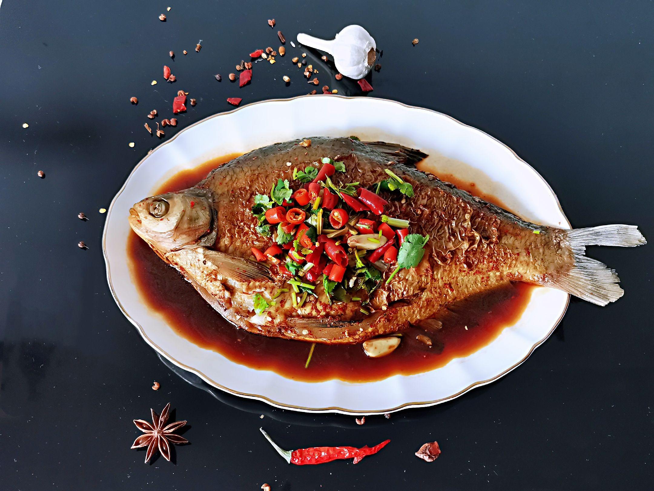 ㊙️无敌好吃的红烧鳊鱼成品图
