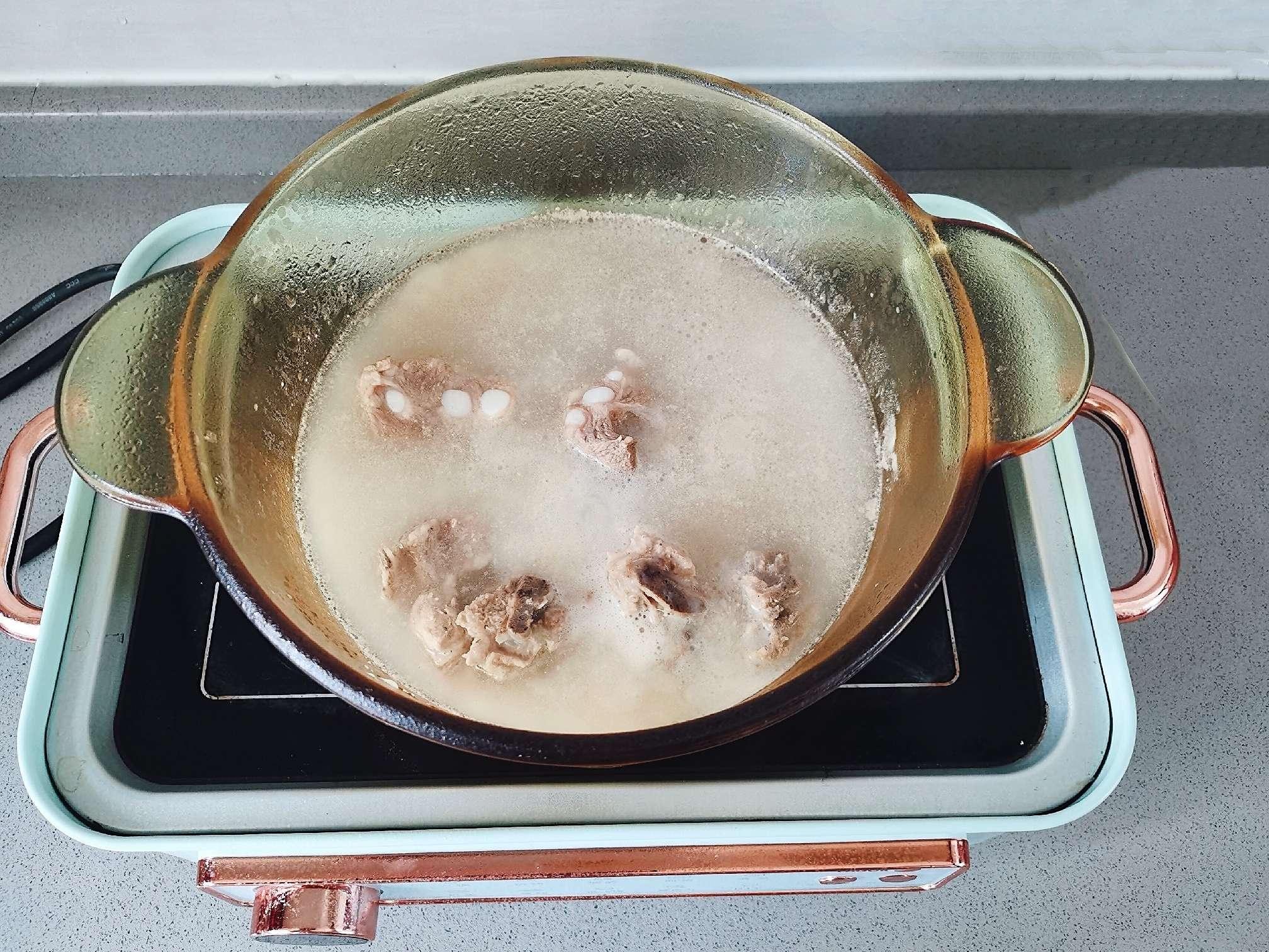 排骨玉米豆浆火锅的做法图解