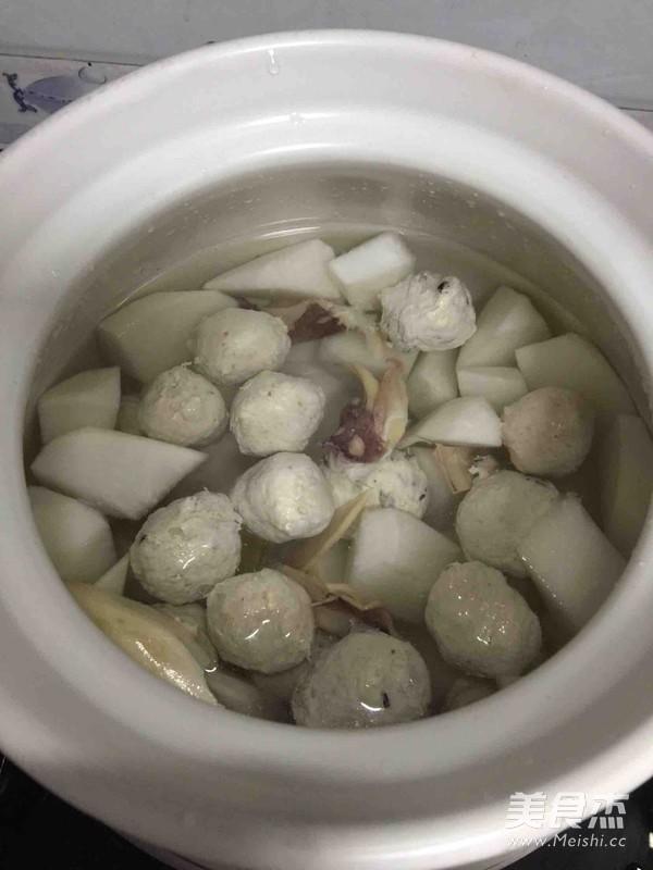 墨鱼萝卜丸子汤的家常做法