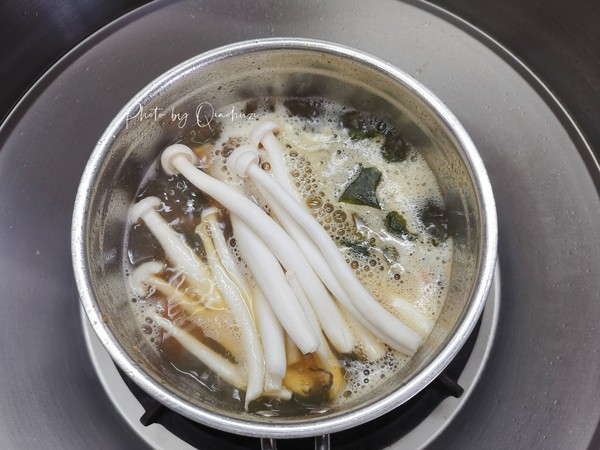 裙带菜海鲜豆腐汤怎样煸