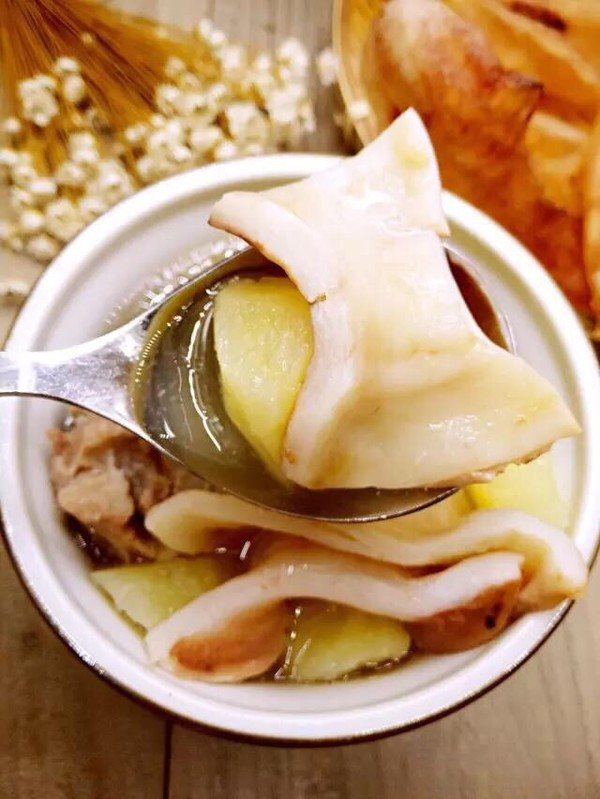 土豆排骨新西兰花胶汤的简单做法