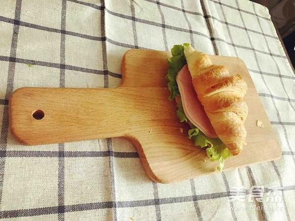 可颂三明治、香蕉牛奶奶昔的简单做法