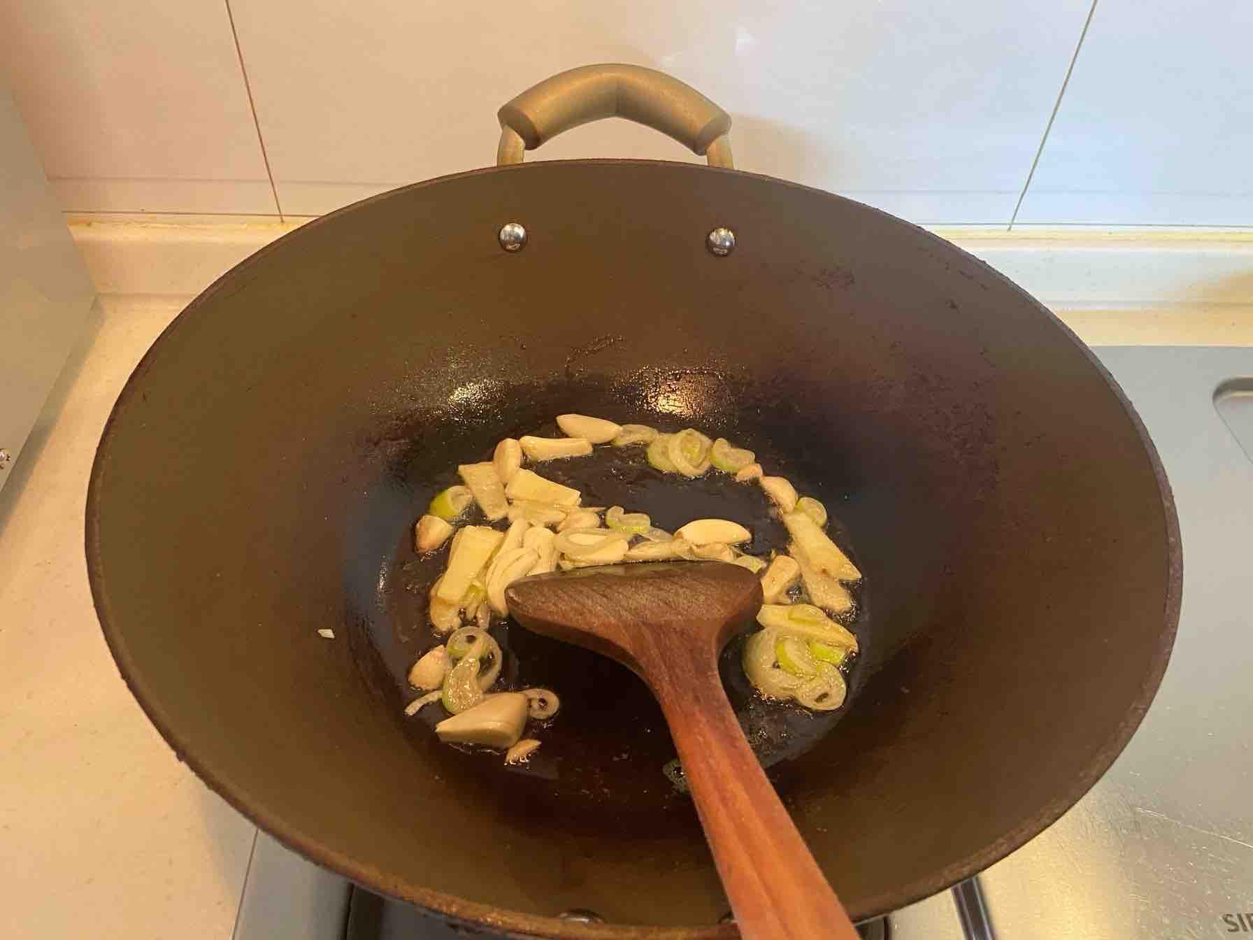 肉末龙须面的家常做法