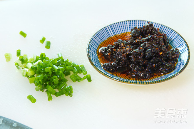 贵州豆豉辣酱风味酱拌面的做法图解