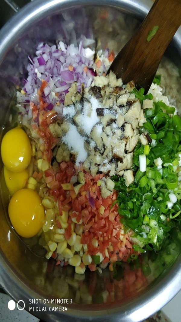 鲫鱼汤米饭蔬菜饼的家常做法