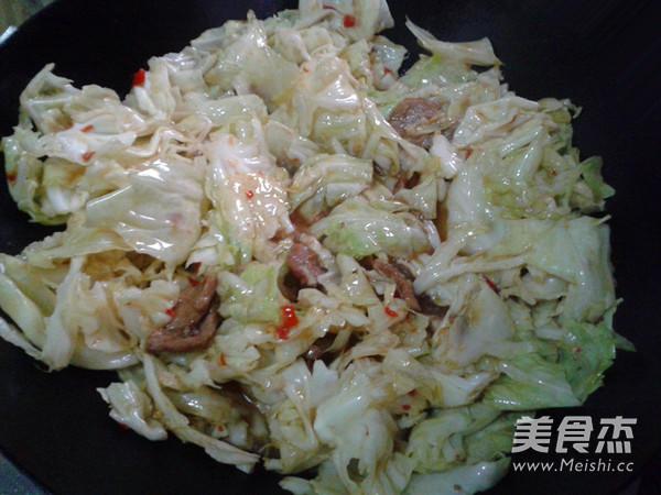 卷心菜炒肉片怎么做