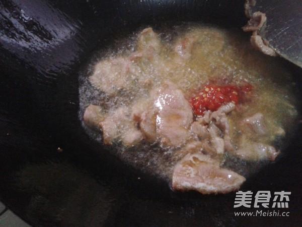 卷心菜炒肉片的简单做法