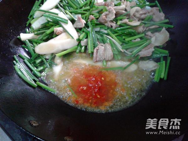 韭菜苔炒肉怎么炒
