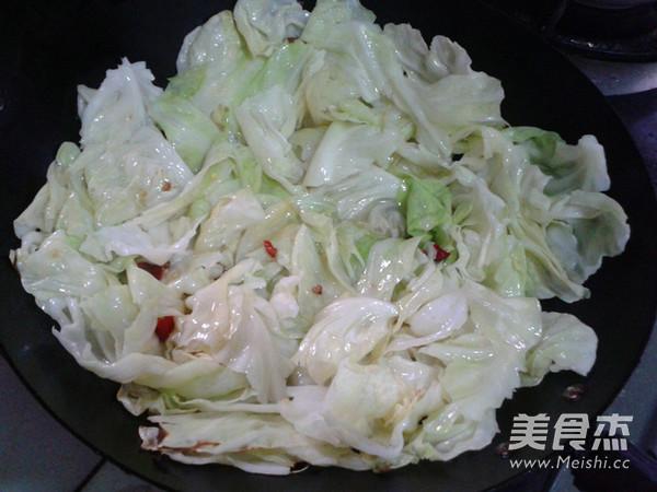 炝炒圆白菜怎么吃