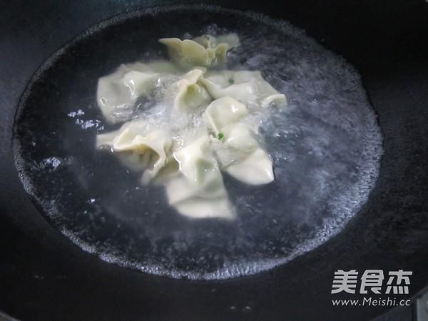 四川红油水饺怎样煸