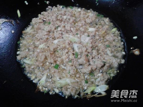 香菇肉酱拌面的简单做法