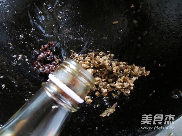 豆豉芽菜肉末酱拌面怎么吃