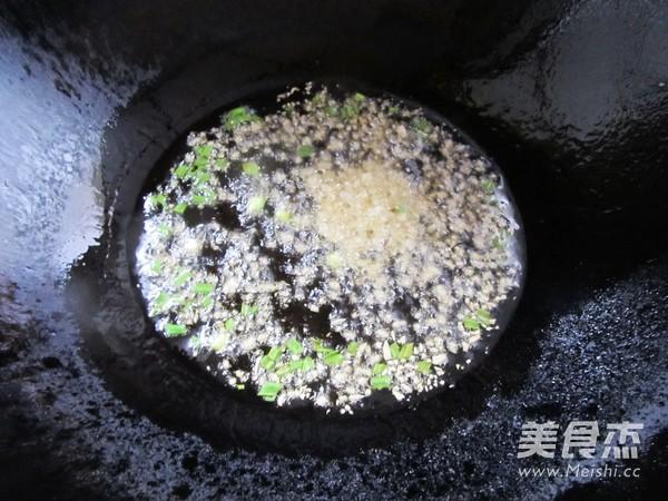 豆豉香菇肉酱拌面怎么炖
