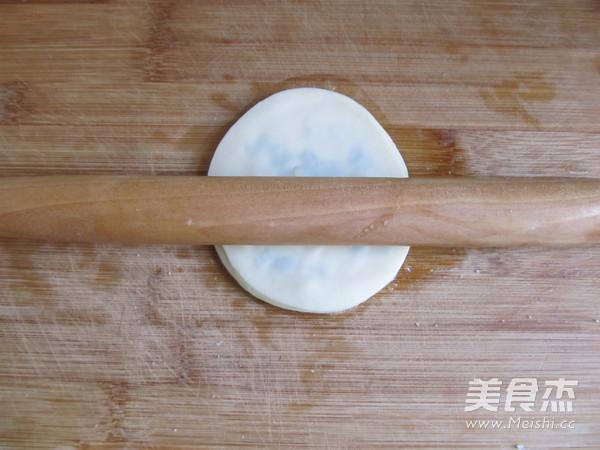 饺子皮版葱油饼怎么煮