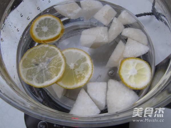 冰糖雪梨柠檬饮的简单做法