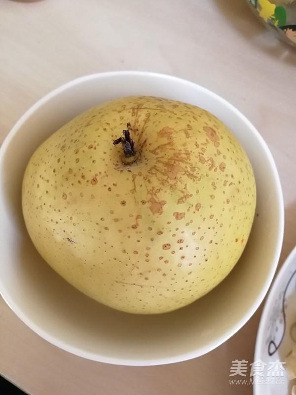 银耳莲子百合红枣羹冰糖的家常做法