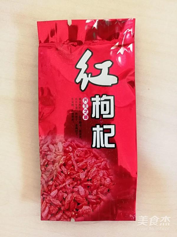 银耳莲子百合红枣羹冰糖的简单做法
