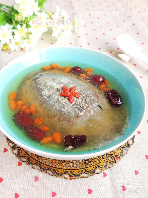 清炖甲鱼汤成品图