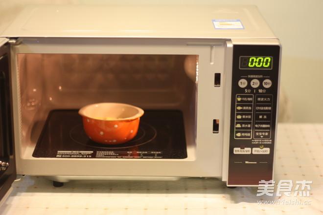 微波蒜香土司的家常做法