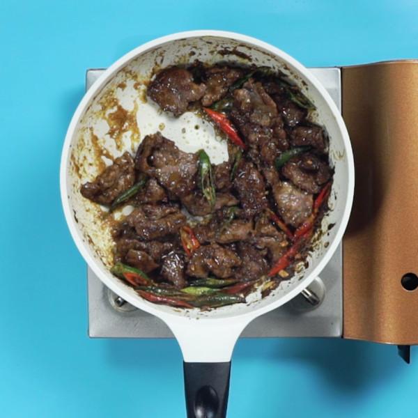 咖喱牛肉怎么吃