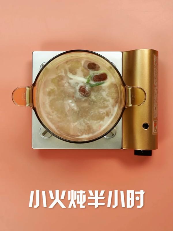 莲藕排骨汤的家常做法
