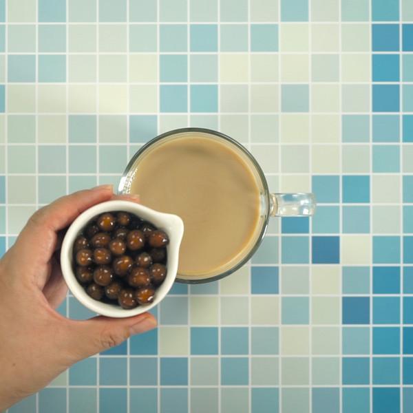 珍珠奶茶怎么吃