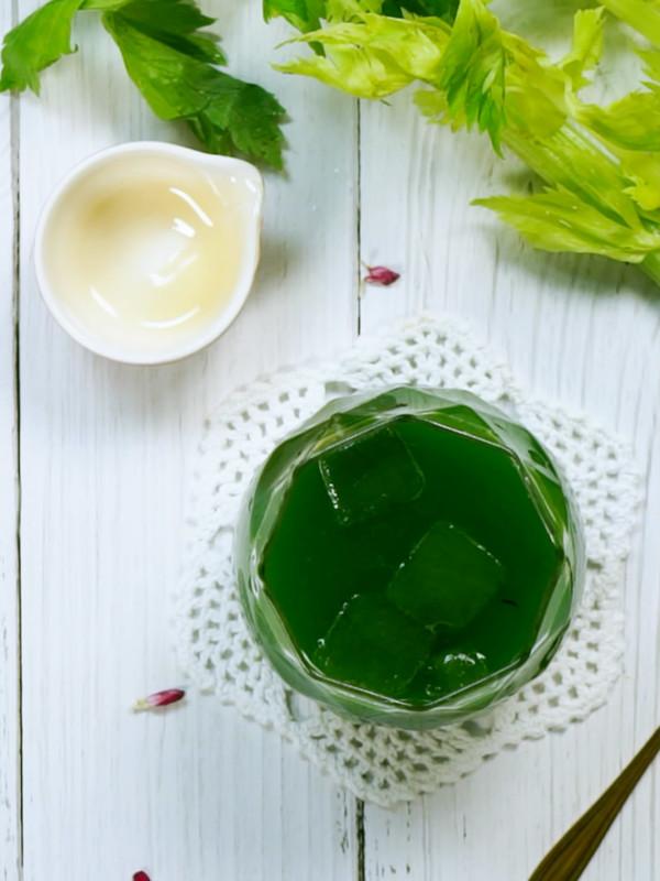 芹菜汁成品图