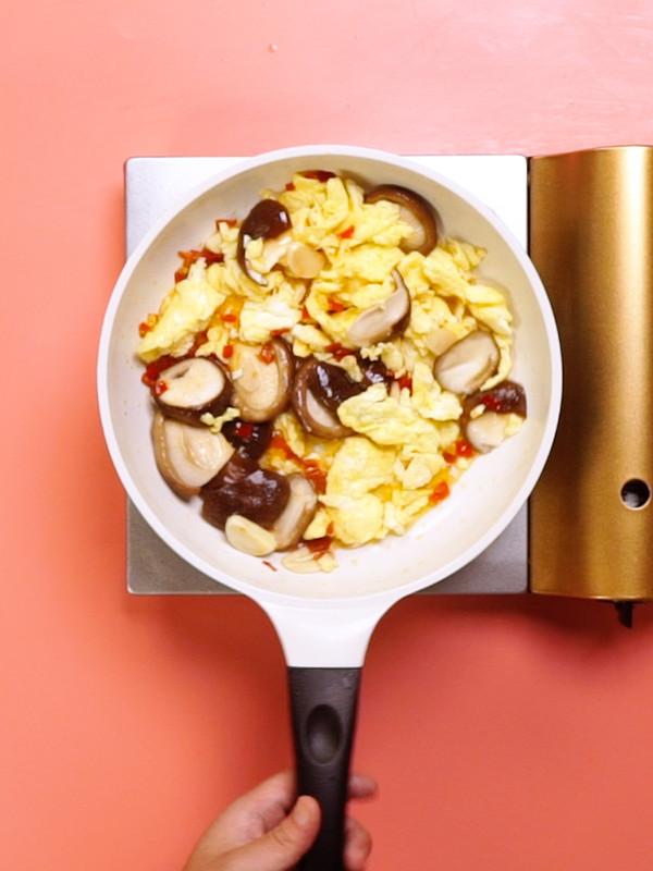 香菇炒鸡蛋怎么吃