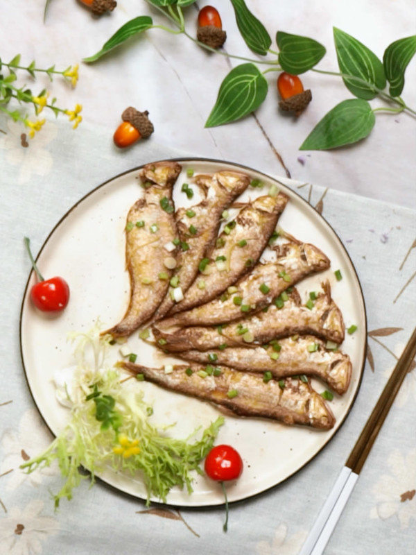 香煎咸鱼成品图