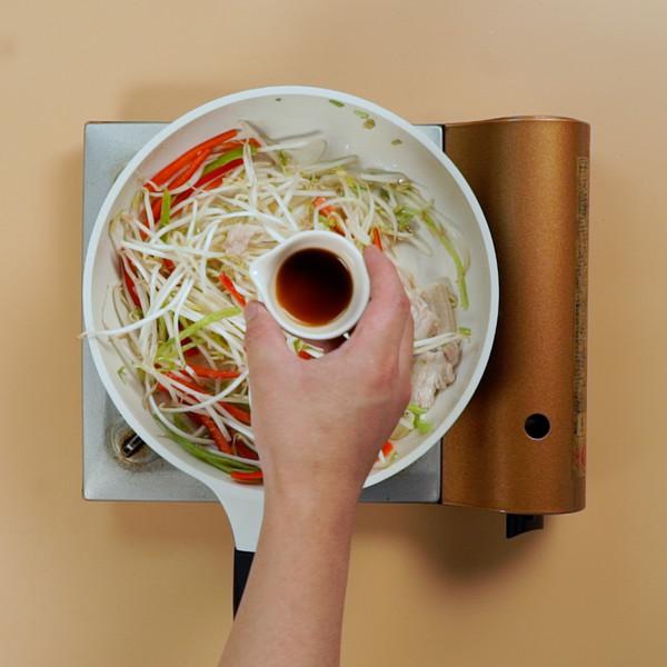 豆芽炒肉的简单做法