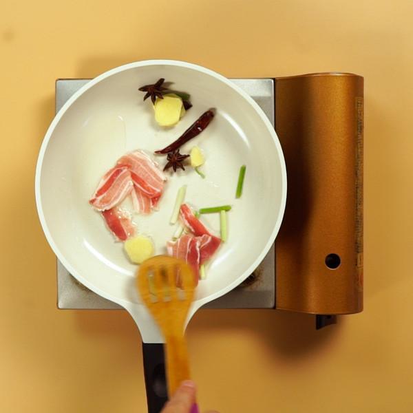 五花肉炖豆角的家常做法