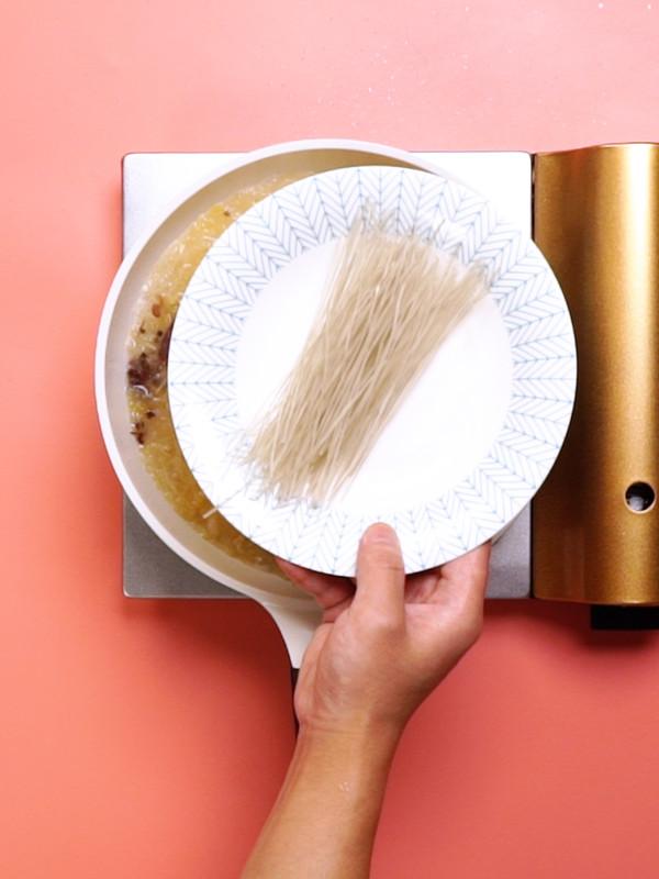 酸菜炖粉条的简单做法