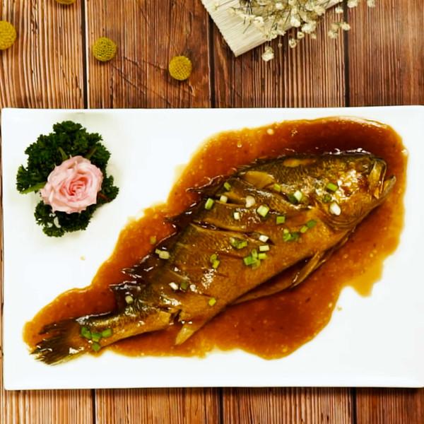 红烧黄花鱼怎么吃