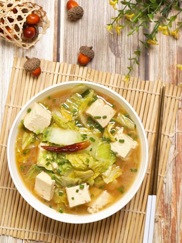 白菜炖冻豆腐成品图