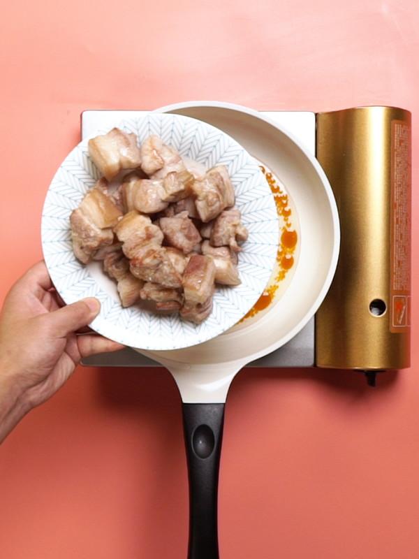 红烧肉炖土豆的家常做法