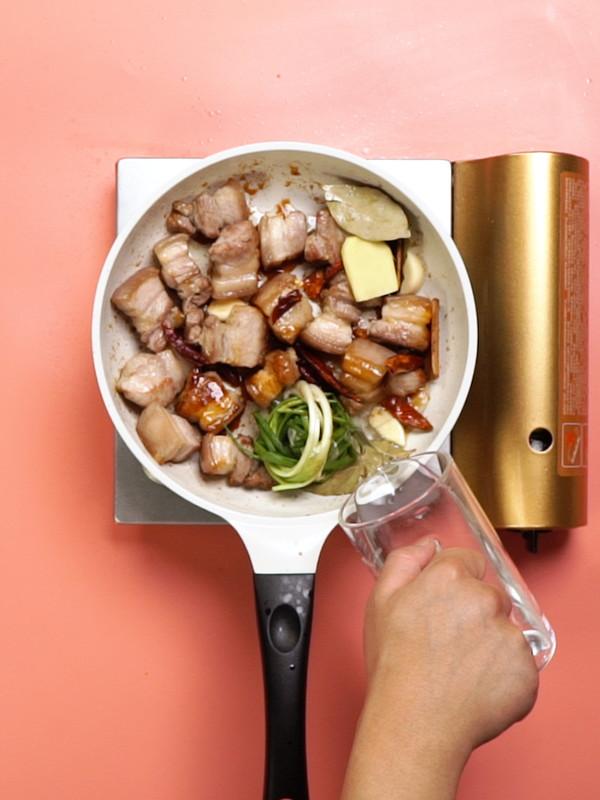 红烧肉炖土豆的简单做法