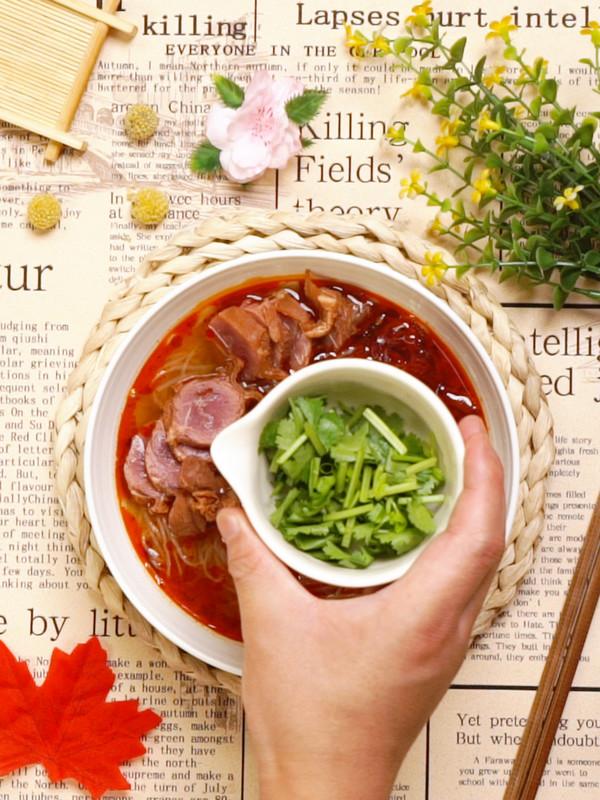 牛肉粉丝汤怎么吃
