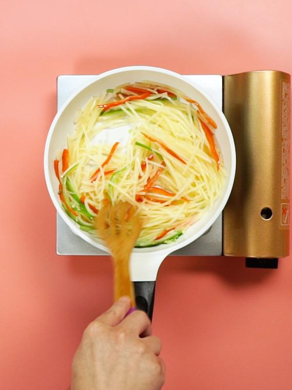 青椒土豆丝的简单做法