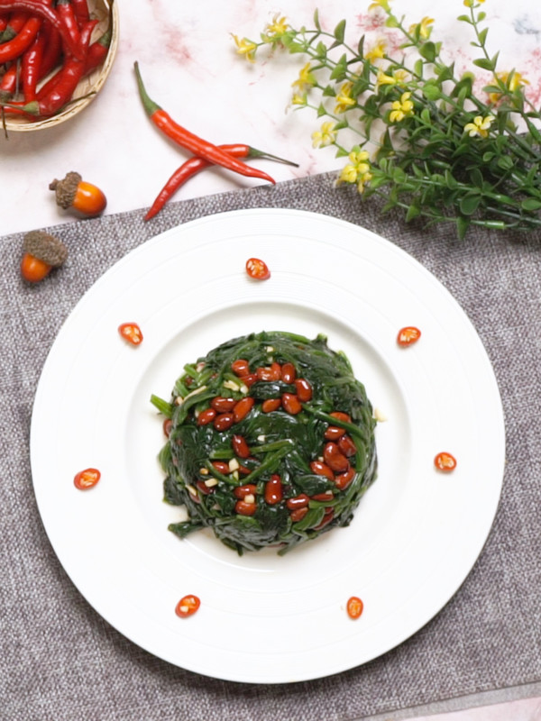 果仁菠菜成品图