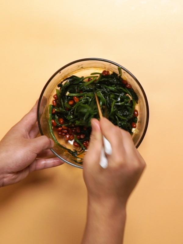 果仁菠菜的简单做法