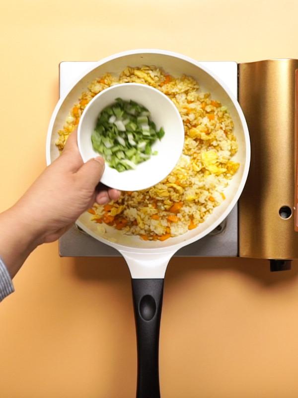 咖喱炒饭怎么做