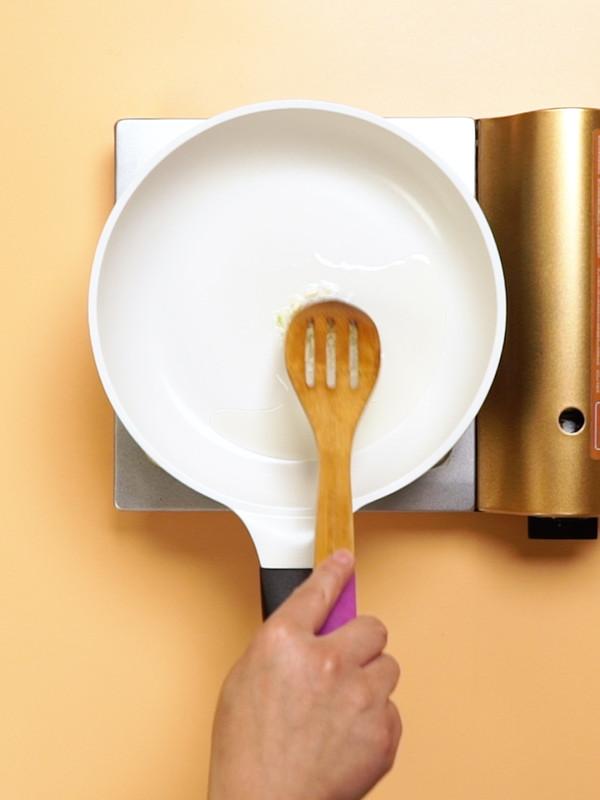 豆豉鲮鱼油麦菜的家常做法