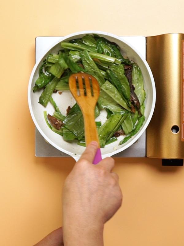 豆豉鲮鱼油麦菜的简单做法