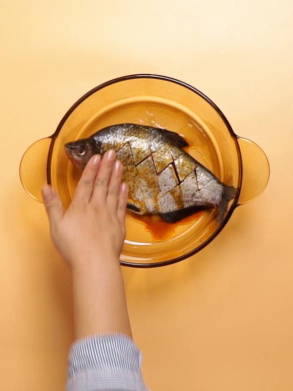 微波炉蒸鱼的家常做法