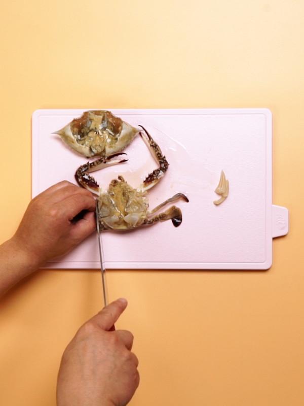 梭子蟹炒年糕的步骤